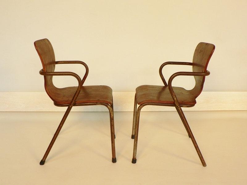 chaise enfant style jacobsen. Black Bedroom Furniture Sets. Home Design Ideas