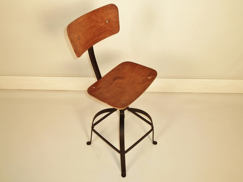 Chaise atelier bienaise pour une deco industrielle for S asseoir sans chaise