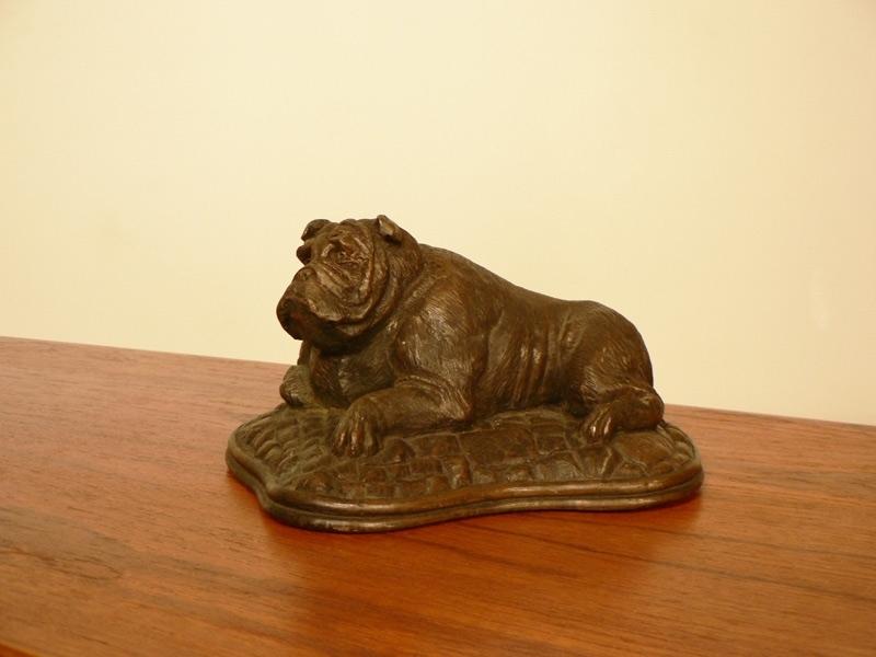 statue bronze bulldog. Black Bedroom Furniture Sets. Home Design Ideas