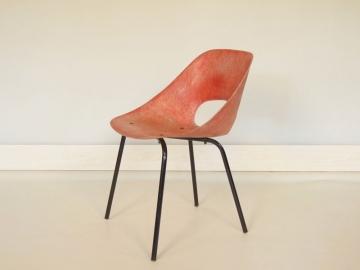 Chaise tulipe rouge guariche