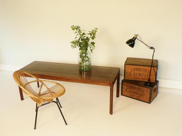 table basse scandinave en palissandre. Black Bedroom Furniture Sets. Home Design Ideas