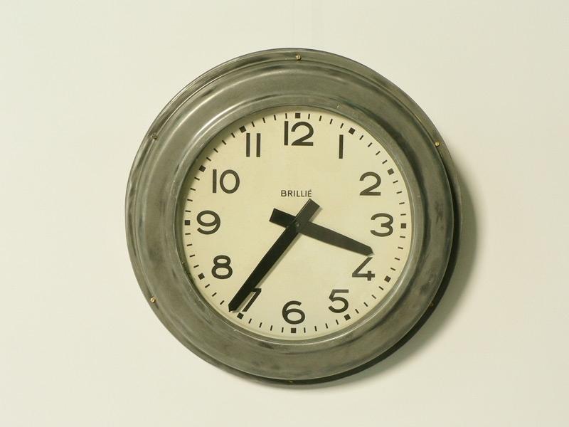 horloge brillie en zinc grand diametre. Black Bedroom Furniture Sets. Home Design Ideas