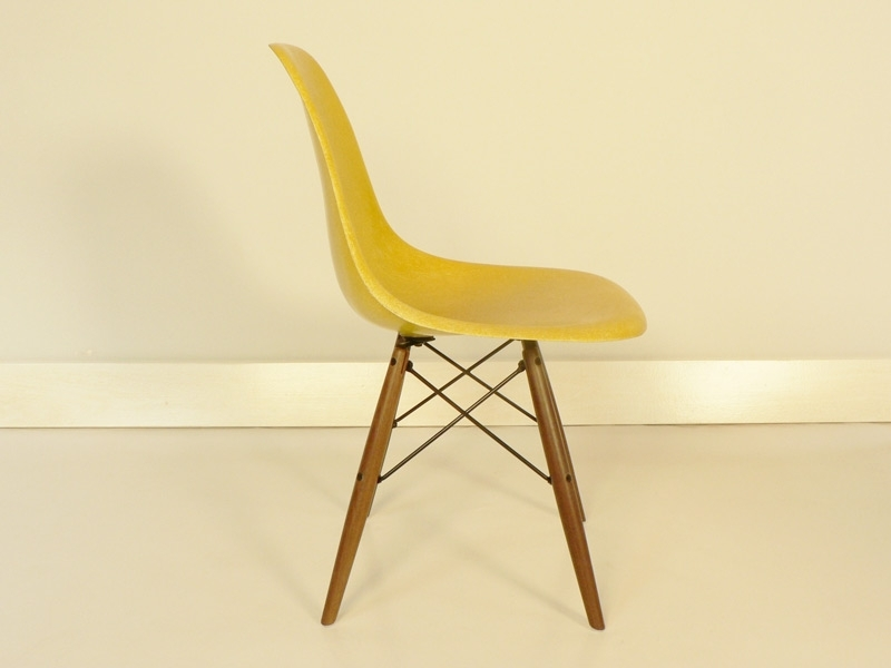 Chaise dsw eames base dowel authentique jaune for Chaise dsw jaune moutarde