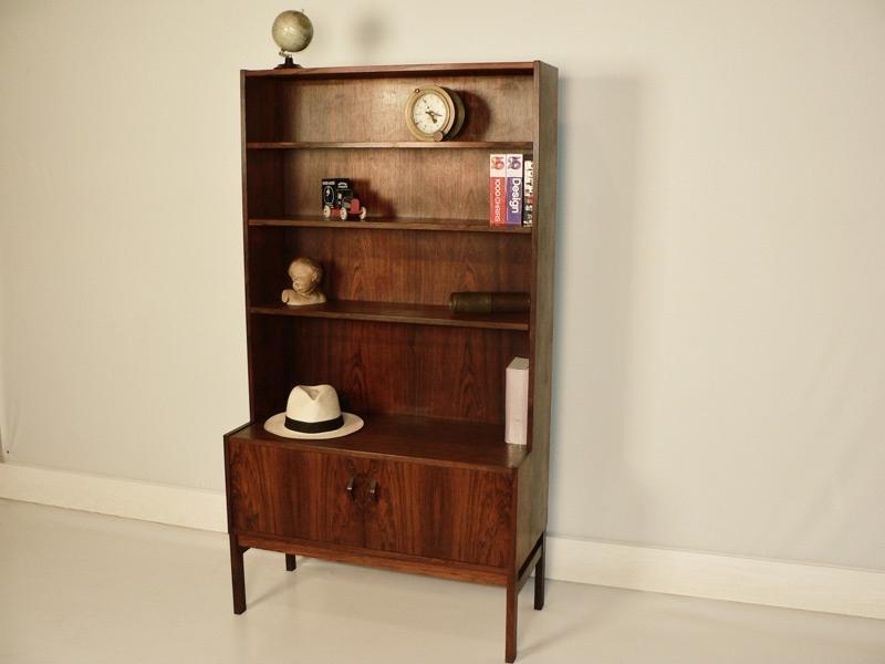 bibliotheque de style scandinave en palissandre de rio. Black Bedroom Furniture Sets. Home Design Ideas