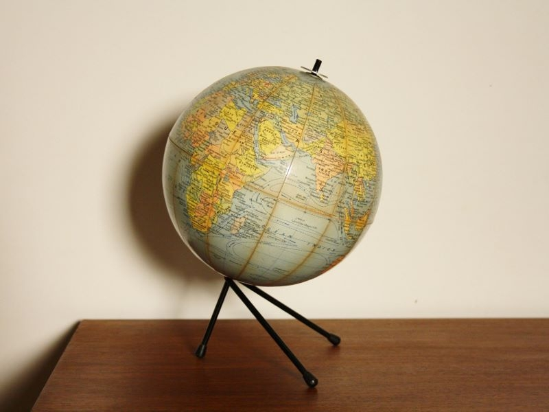 globe terrestre d co vintage curiosit. Black Bedroom Furniture Sets. Home Design Ideas