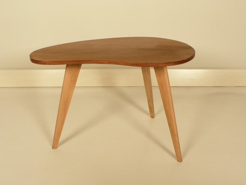 table basse haricot trepied tres tendance