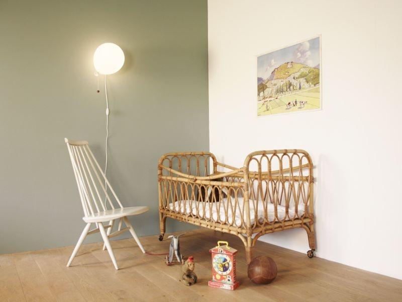 lit enfant vintage rotin midcentury. Black Bedroom Furniture Sets. Home Design Ideas