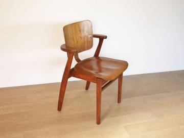 Chaise Domus tapiovaara ilmari design scandinave vintage maison simone nantes paris