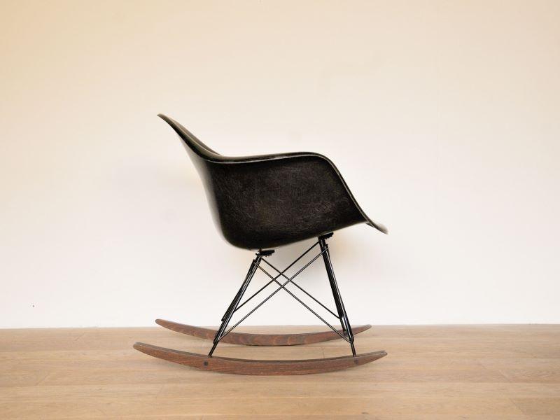 Eames rar noir vintage for Eames fauteuil rar