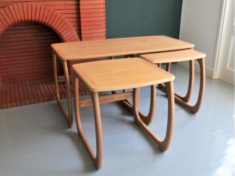table gigognes scandinave vintage parker knoll maison simone nantes. Black Bedroom Furniture Sets. Home Design Ideas