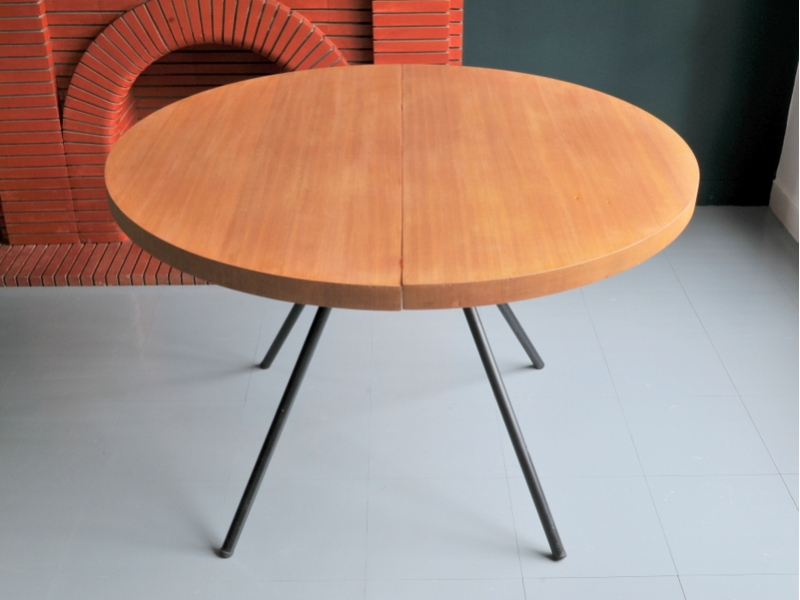 Table ronde vintage moderniste maison simone nantes for Table rallonge