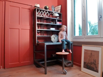 bureau de postier meuble de tri en acier patine. Black Bedroom Furniture Sets. Home Design Ideas