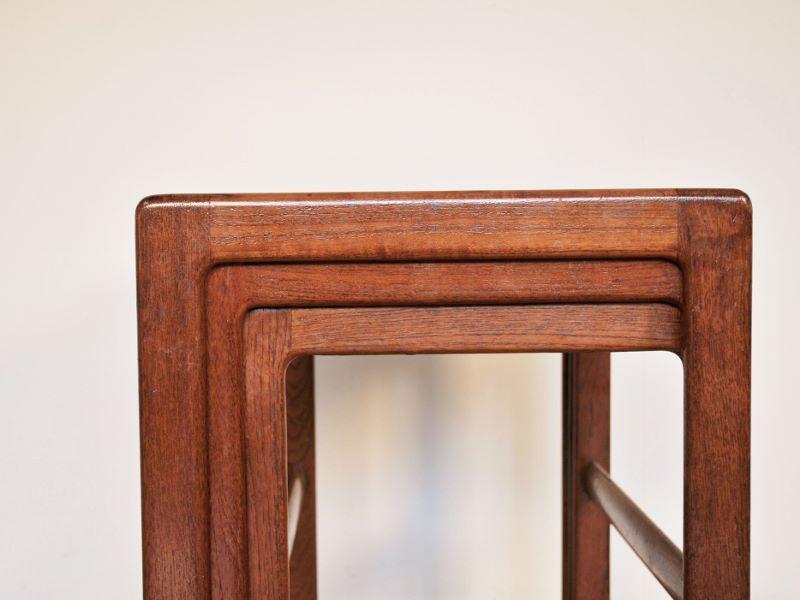 table gigognes scandinave vintage maison simone nantes. Black Bedroom Furniture Sets. Home Design Ideas