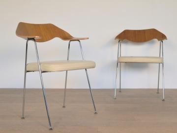 fauteuil 675 robin day vintage design année 50 maison simone nantes