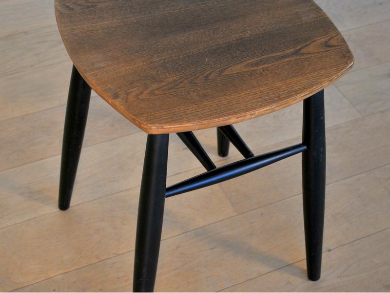 tabouret vintage scandinave maison simone nantes. Black Bedroom Furniture Sets. Home Design Ideas