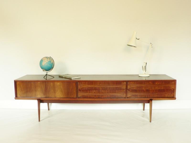 enfilade scandinave en palissandre. Black Bedroom Furniture Sets. Home Design Ideas