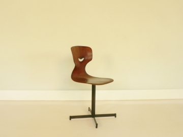 chaise pagholz Adam Stegner
