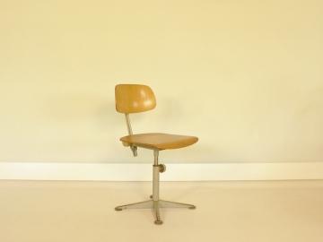 chaise friso kramer