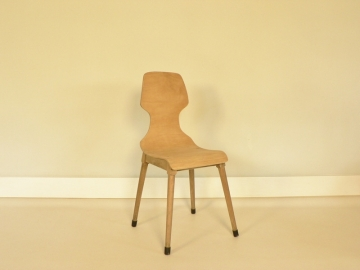 chaise en bois thermoformé design scandinave