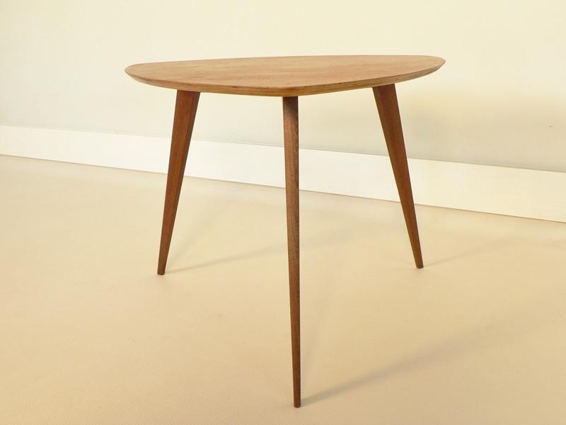table tripode pieds compas. Black Bedroom Furniture Sets. Home Design Ideas