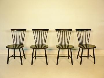 suite de 4 chaises de style scandinave