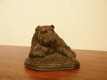 statue bronze bulldog
