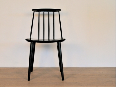 chaise J77 noir FDB Mobler vintage maison simone nantes paris