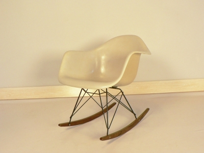 Chaise à bascule Eames