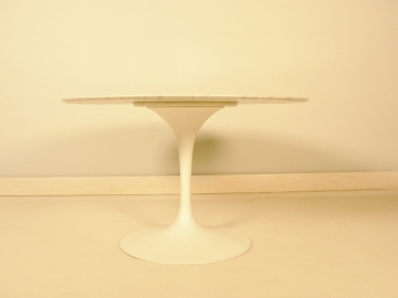 table Saarinen Knoll